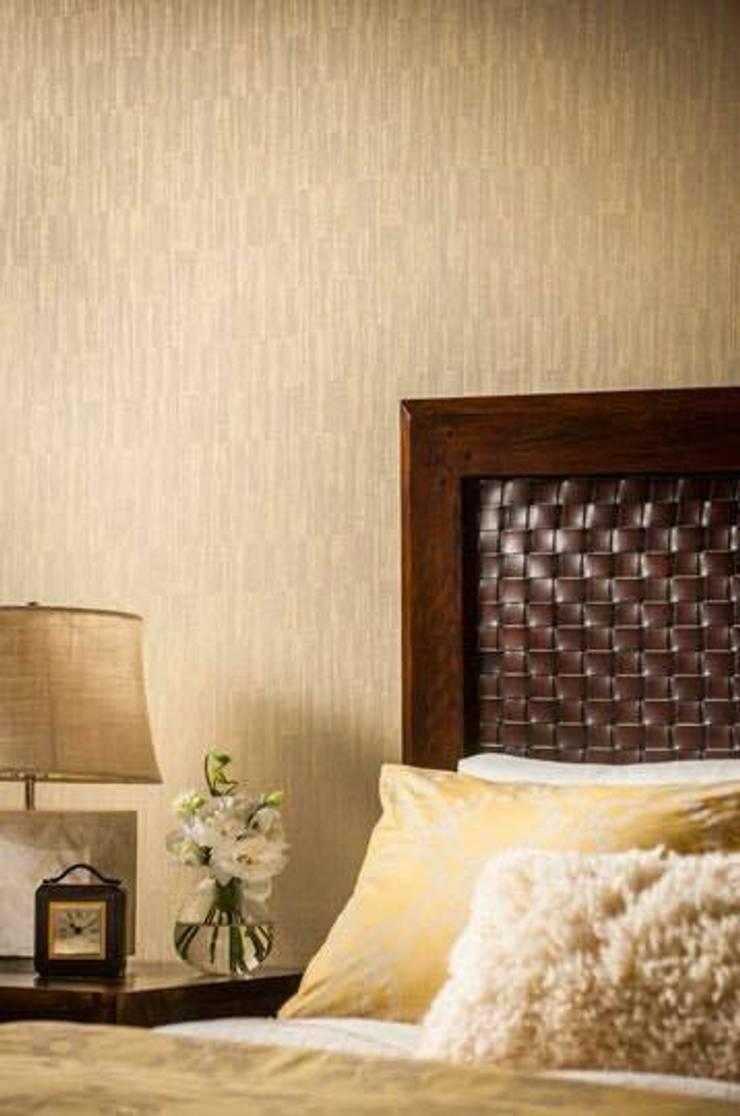 DORMITORIOS_SUELOS Y PAREDES: Dormitorios de estilo  de SUELOS Y PAREDES SIN OBRAS, Clásico