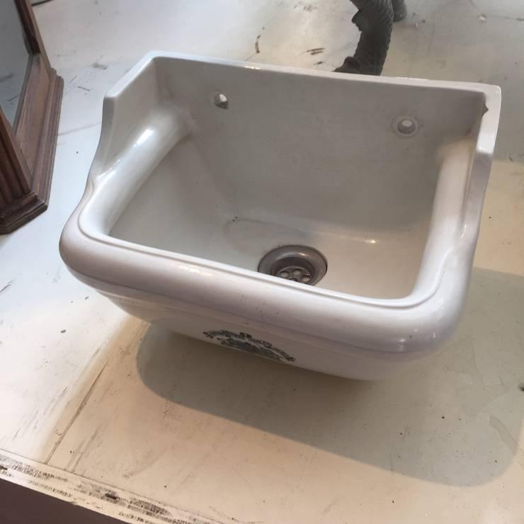 Sanitair:  Badkamer door Affaire d' Eau, Klassiek