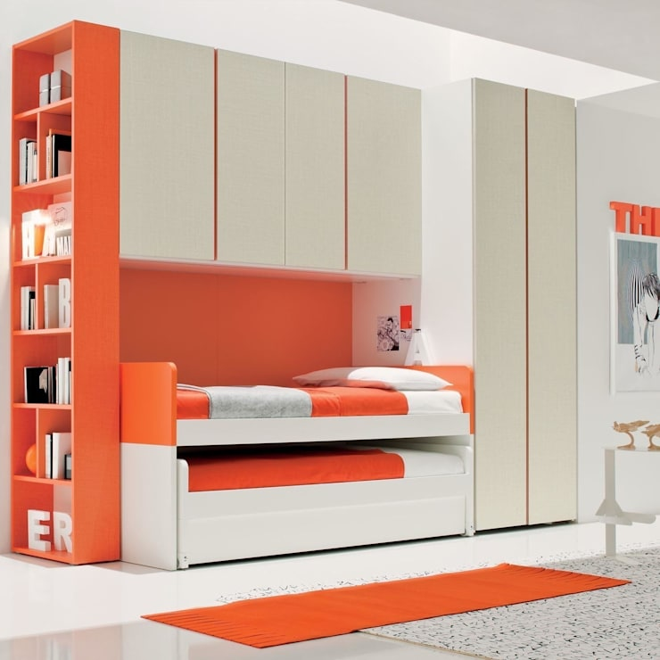 'Red' Modern kid's bedroom set by Clever:  Nursery/kid's room by My Italian Living