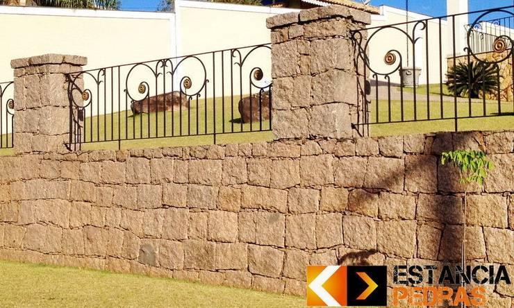 Tường by Estância Pedras