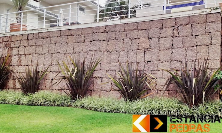 Walls by Estância Pedras
