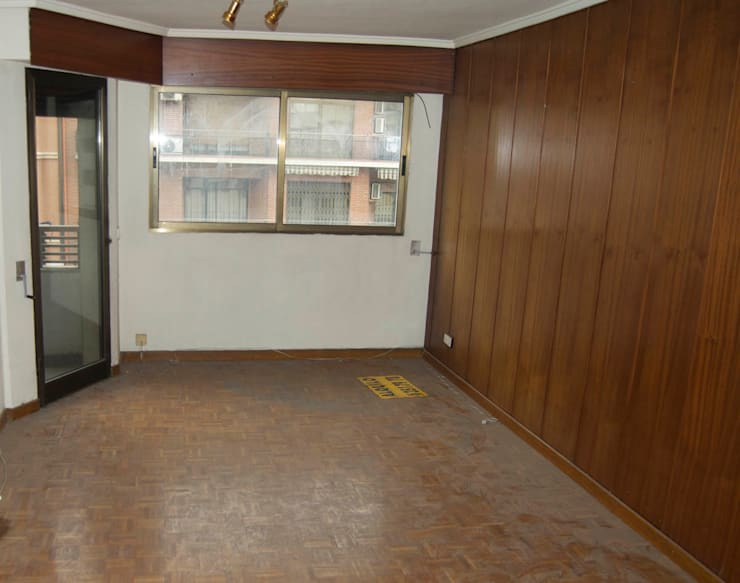 REFORMA PISO DE 82 m2: Salones de estilo  de KALEIDOSCOPE Gestión Integral de Proyectos, Minimalista