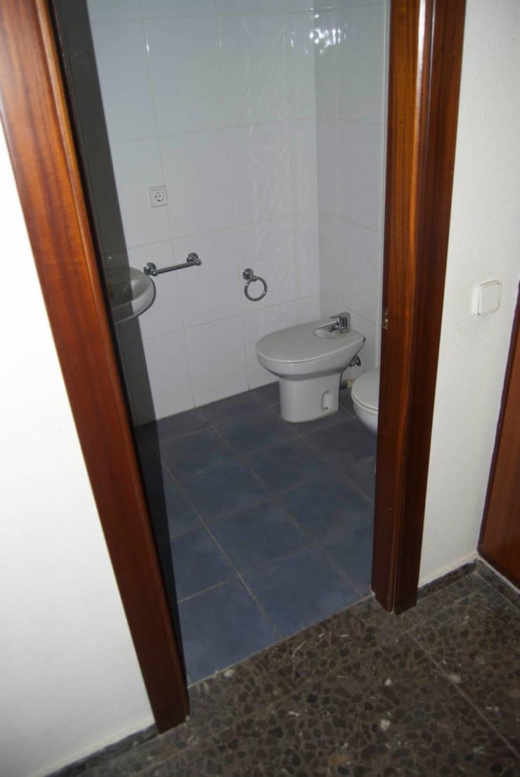 REFORMA PISO DE 82 m2: Baños de estilo  de KALEIDOSCOPE Gestión Integral de Proyectos, Minimalista
