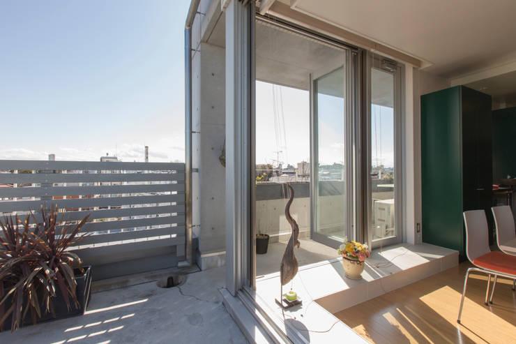 房子 by ティー・ケー・ワークショップ一級建築士事務所, 工業風 鋁箔/鋅