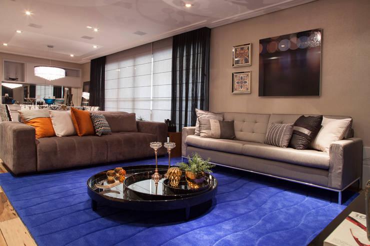Apartamento São Caetano do Sul: Salas de estar  por Biarari e Rodrigues Arquitetura e Interiores
