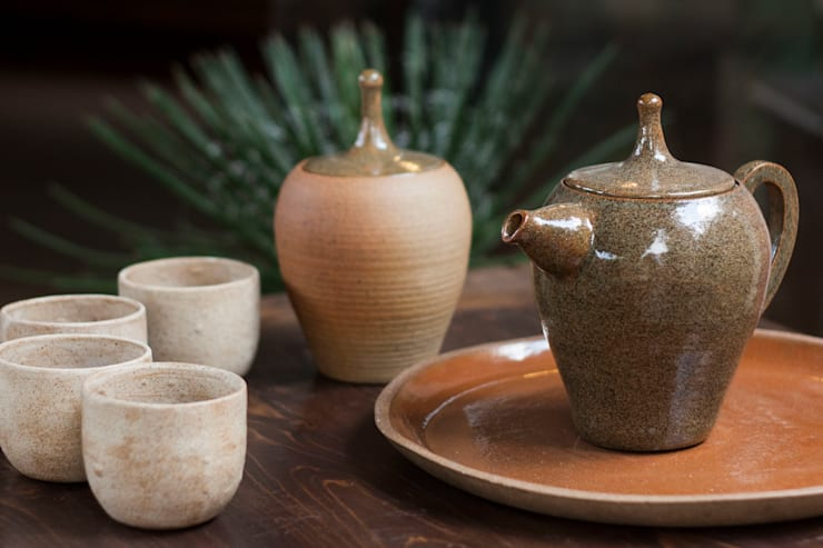 Bule de cerâmica esmaltada. Cone 7.: Cozinha  por Ateliê de Cerâmica - Flavia Soares