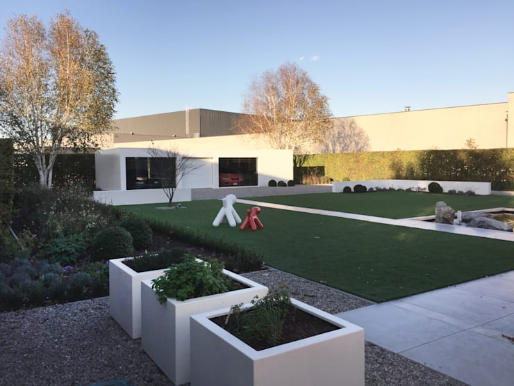 Loungetuinen:  Tuin door Tuinarchitectengroep ECO, Modern