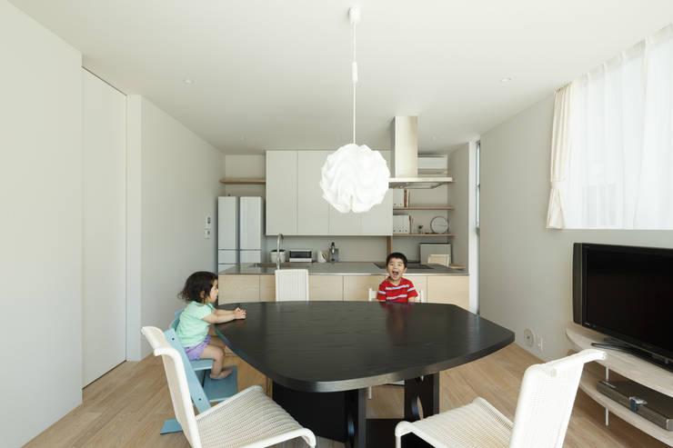 sha-la LDK: e do design 一級建築士事務所が手掛けたダイニングです。