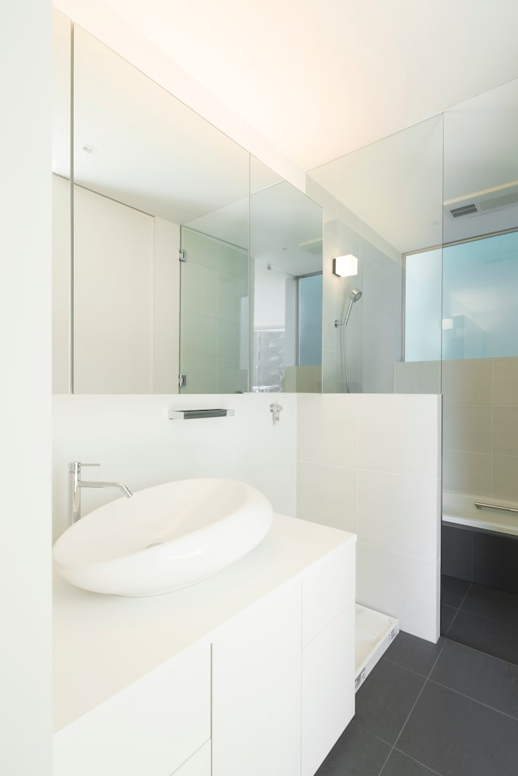 sha-la Bathroom: e do design 一級建築士事務所が手掛けた浴室です。