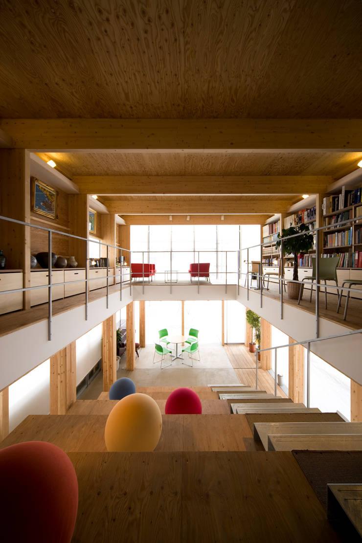 六書堂新社屋 「ときの杜~forest in time~」: 畠中 秀幸 × スタジオ・シンフォニカ有限会社が手掛けたオフィススペース&店です。