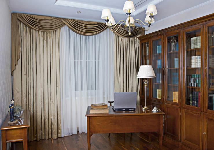 Квартира 210 м.кв.: Рабочие кабинеты в . Автор – Соловьева Мария