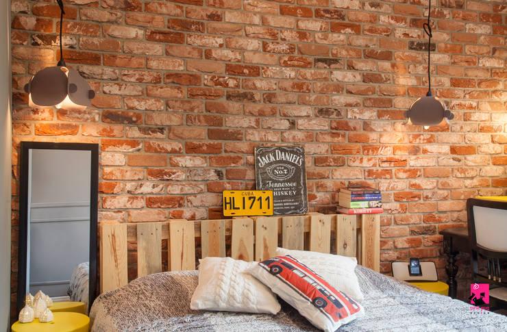 Спальни в . Автор – Pink Pug Design Interior