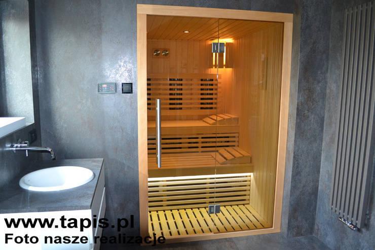 Łazienka z sauną: styl , w kategorii Łazienka zaprojektowany przez TAPIS.PL,Nowoczesny