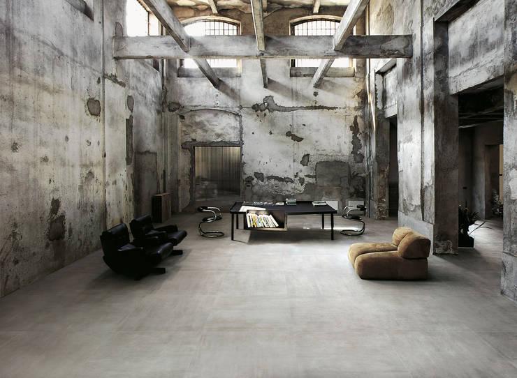Paredes y pisos de estilo industrial por Ceramica Sant'Agostino