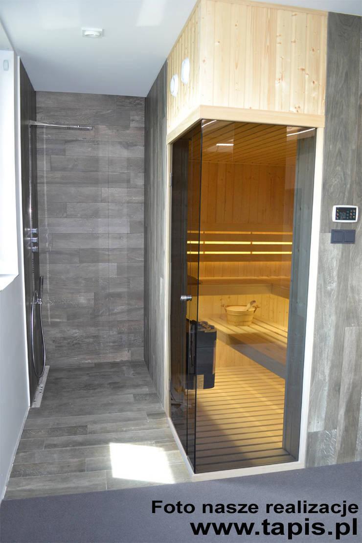 Domowa strefa SPA - sauna i panel prysznicowy: styl , w kategorii Spa zaprojektowany przez TAPIS.PL,Nowoczesny