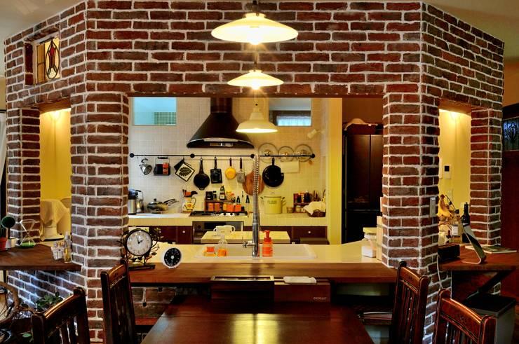 沼津 I邸: HAPTIC HOUSEが手掛けたダイニングです。
