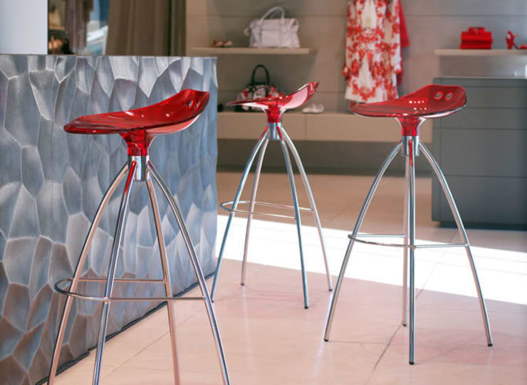 'Fog' Translucent kitchen/bar stool by Scab Design:  Kitchen by My Italian Living