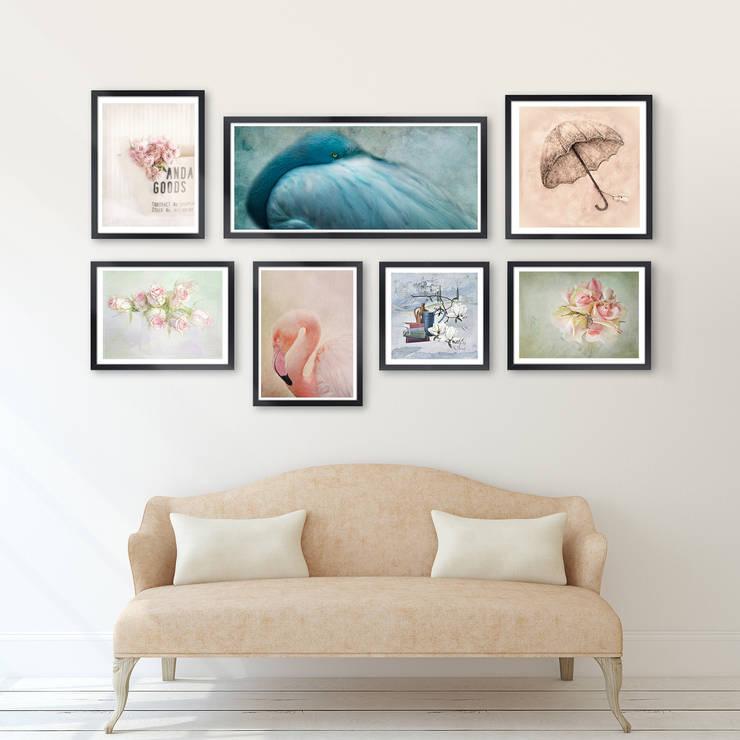 Bilderwand über der Couch:  Wände & Boden von Posterlounge