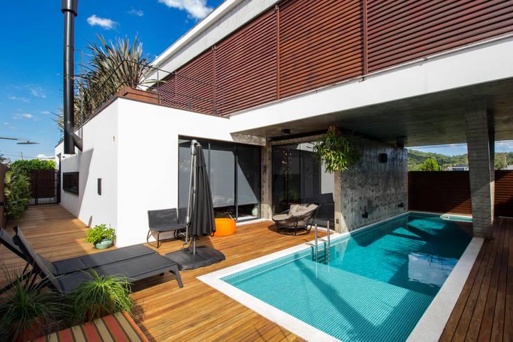 Houses by Thiago Borges Mendes Arquitetura