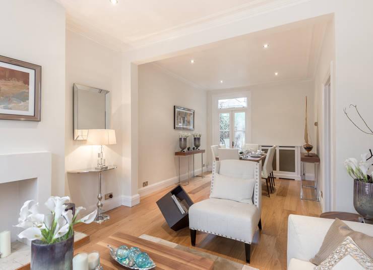 Living room Salones de estilo minimalista de In:Style Direct Minimalista