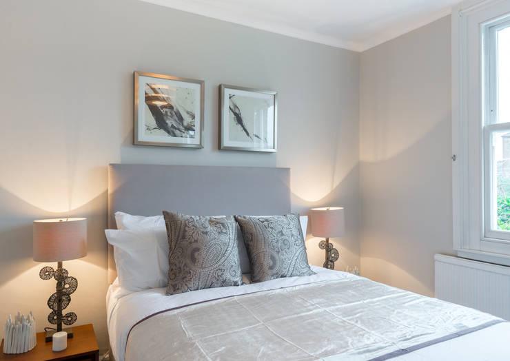 Bedroom 1 Dormitorios de estilo minimalista de In:Style Direct Minimalista