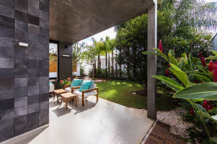 Teras by Felipe Bueno Arquitetura