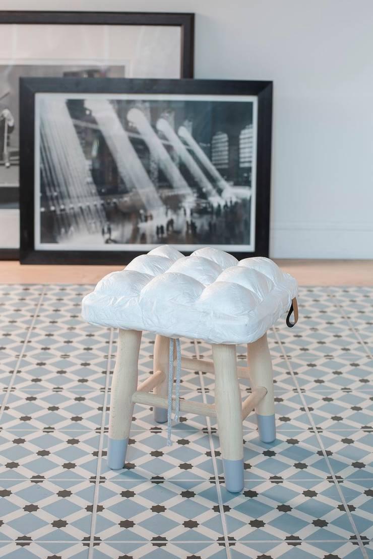 Stołek z kolekcji WTW: styl , w kategorii Salon zaprojektowany przez Pink Pug Design