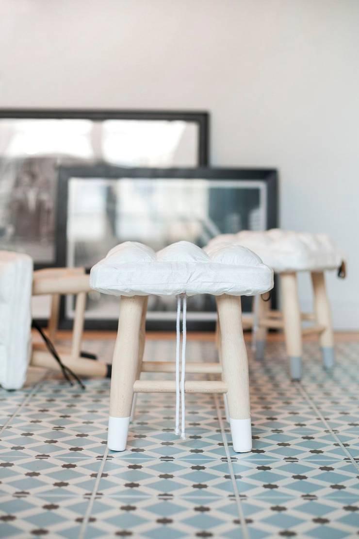 Stołki z kolekcji WTW: styl , w kategorii Salon zaprojektowany przez Pink Pug Design
