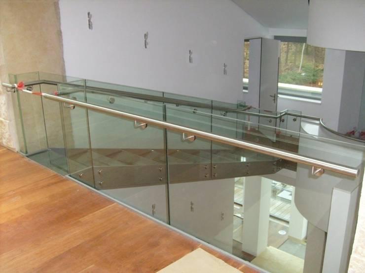 Glazen trap / loopbrug:  Gang en hal door Snep Exclusieve Metalen BV