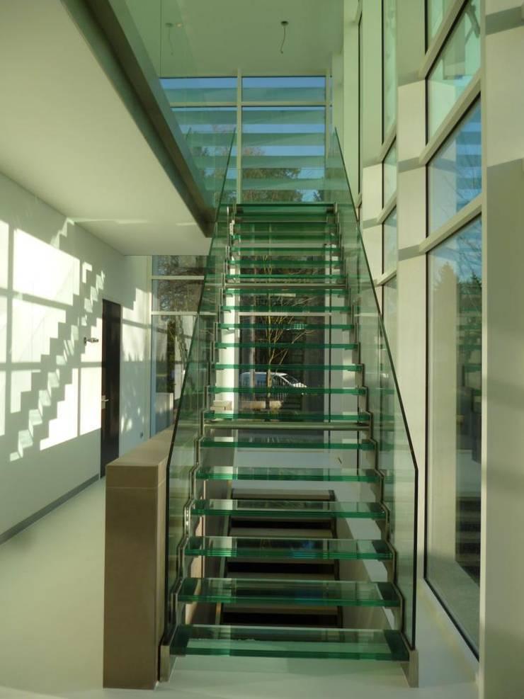 Corridor & hallway by Snep Exclusieve Metalen BV, Modern