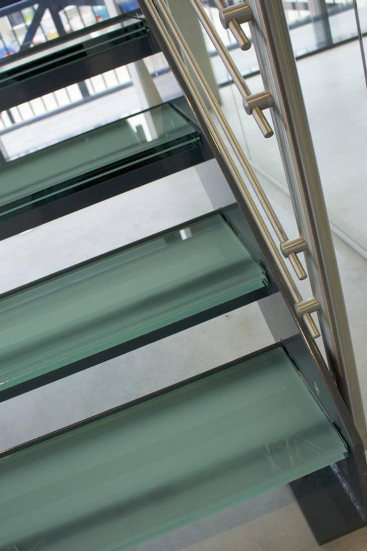 Entree bedrijfshal:  Kantoorgebouwen door Snep Exclusieve Metalen BV