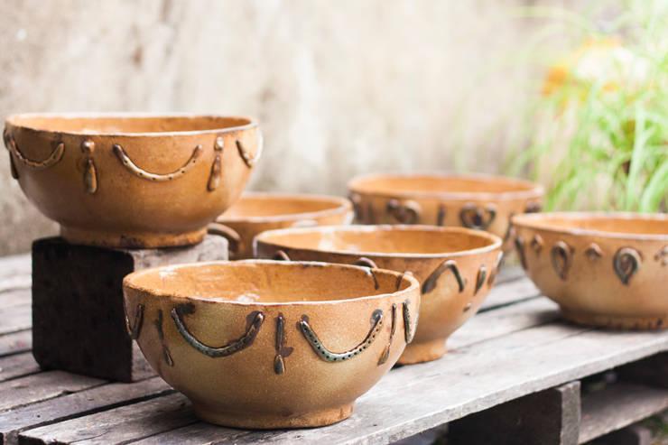 Tigelas arcaicas.: Arte  por Ateliê de Cerâmica - Flavia Soares