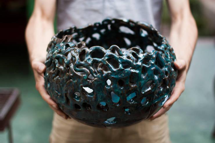Objeto aerado (cerâmica esmaltada): Arte  por Ateliê de Cerâmica - Flavia Soares