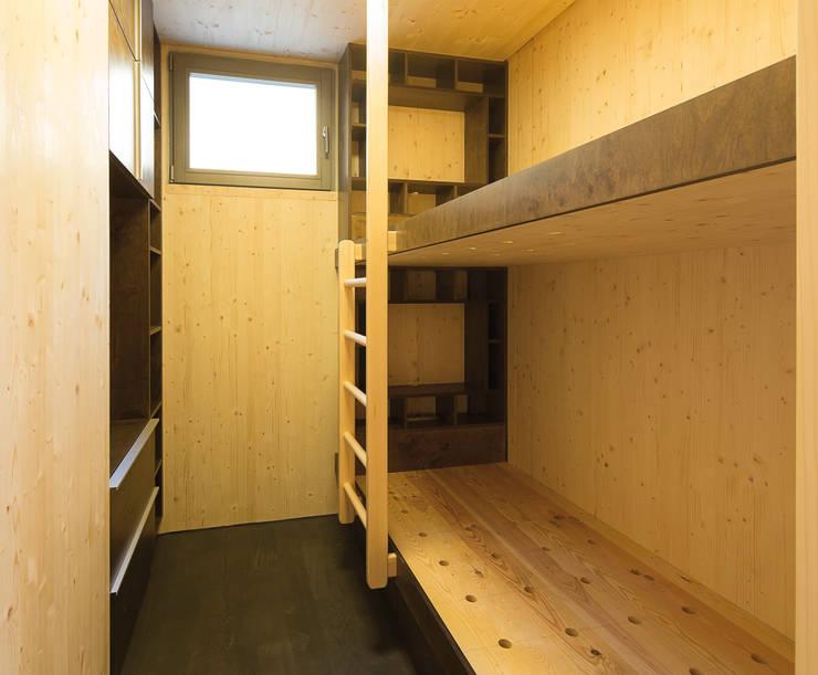 Детская комната в . Автор – Pilzarchitektur