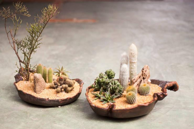 Jardines de estilo rural por Ateliê de Cerâmica - Flavia Soares