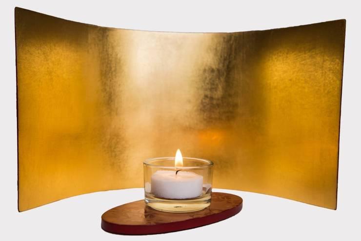 Design Moon 23 ¾ Karat Gold Brokat:  Kunst  von Golden Light,