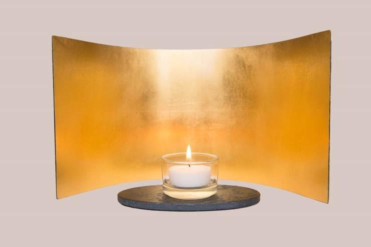DESIGN moon 23 3/4 karat gold:  Kunst  von Golden Light,
