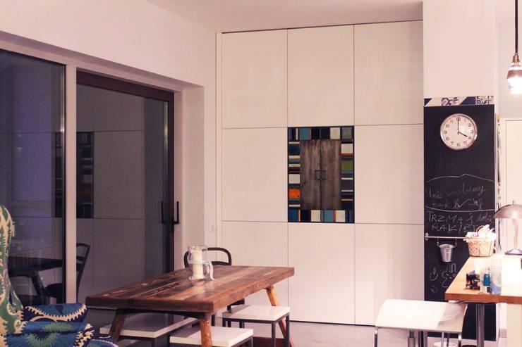 Meble nietypowe na zamówienie Kafle Azulejos: styl , w kategorii Salon zaprojektowany przez Szafawawa,