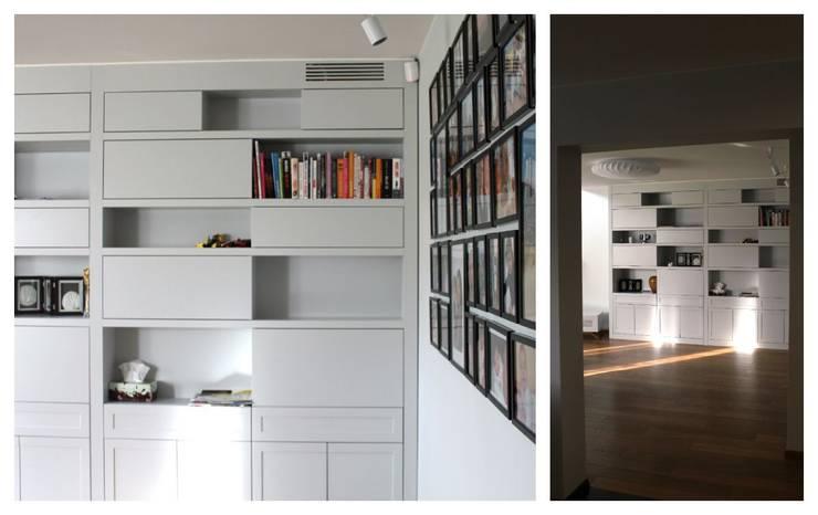 Regał w salonie wykonany na wymiar: styl , w kategorii Salon zaprojektowany przez Szafawawa