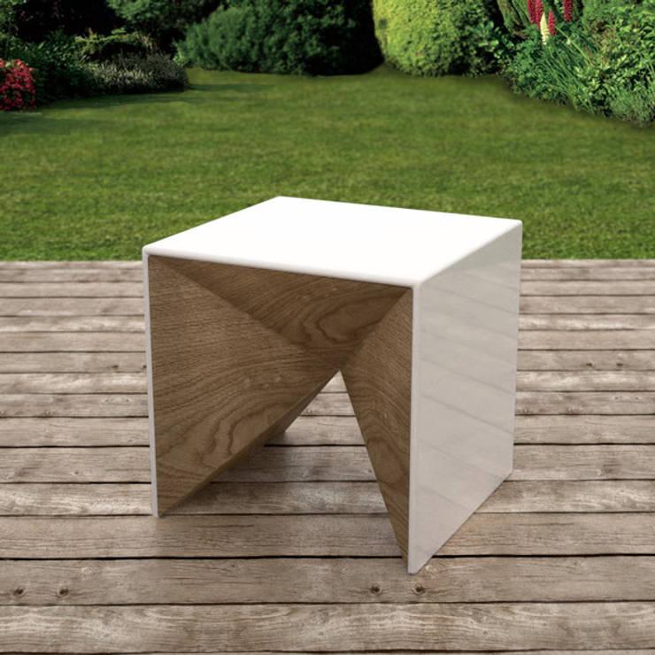 Qbico: Giardino in stile in stile Minimalista di Marcello Cannarsa