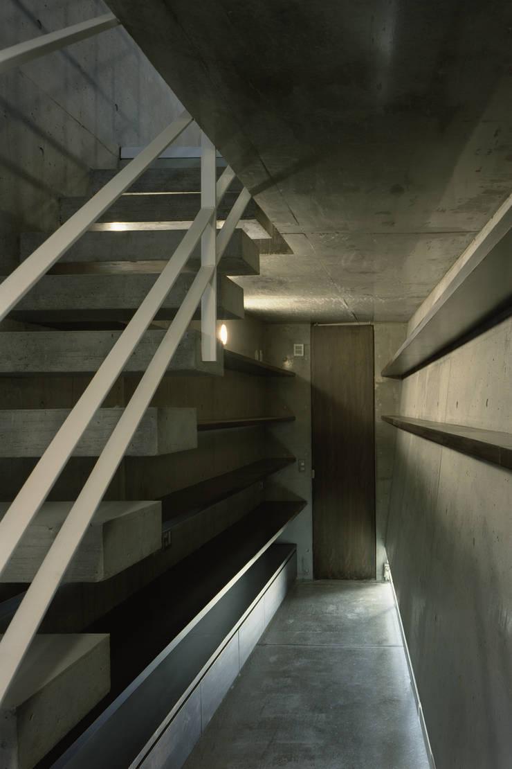 エントランス: FIELD NETWORK Inc.が手掛けた廊下 & 玄関です。