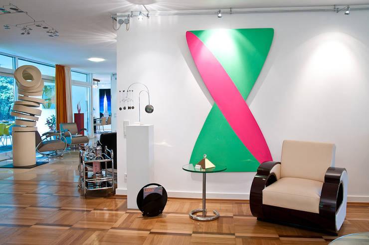 Einrichtung Villa Heusgen Showroom:  Wohnzimmer von Josephs Art Interior