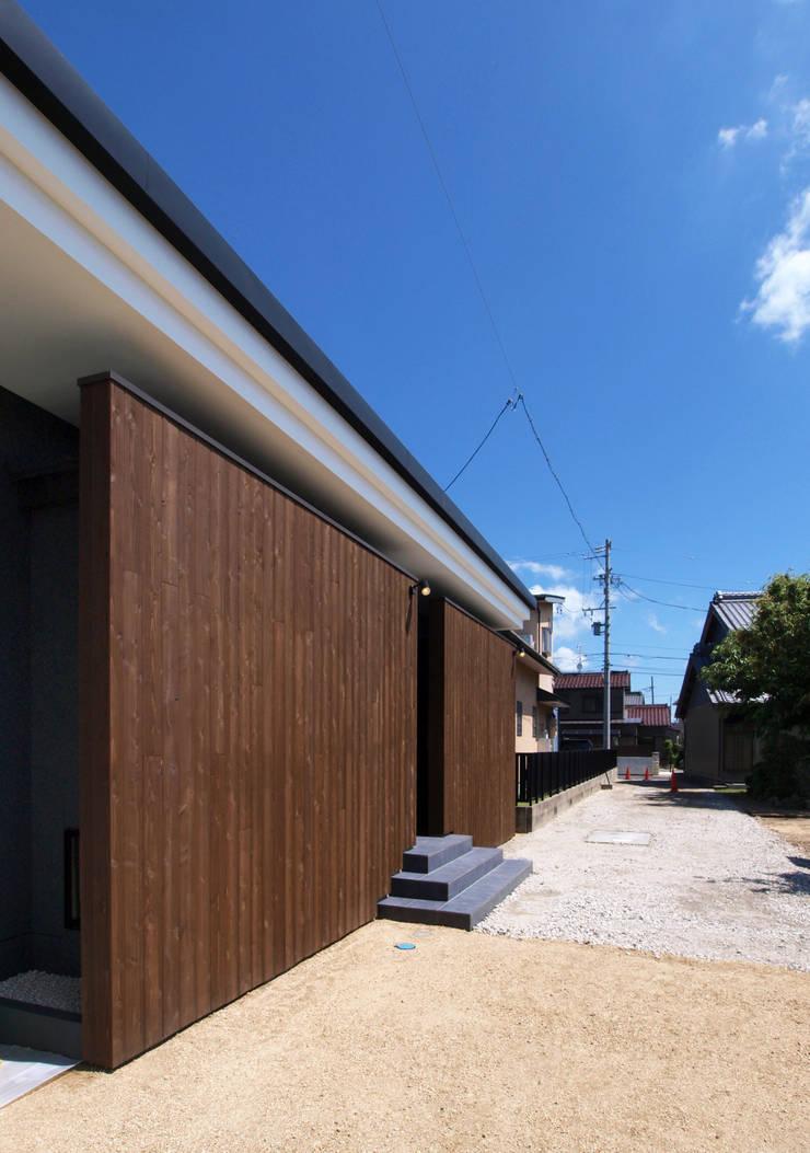 外観斜め: Egawa Architectural Studioが手掛けた家です。