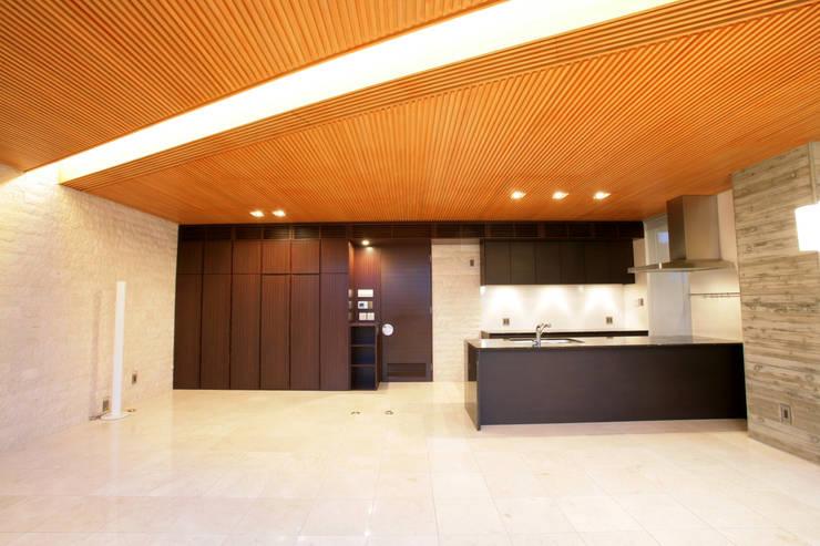 ダイニング: Egawa Architectural Studioが手掛けたダイニングです。