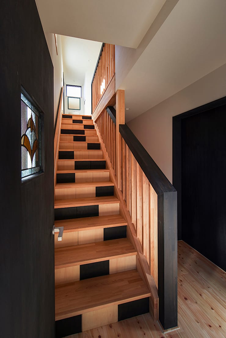 階段: Egawa Architectural Studioが手掛けた廊下 & 玄関です。
