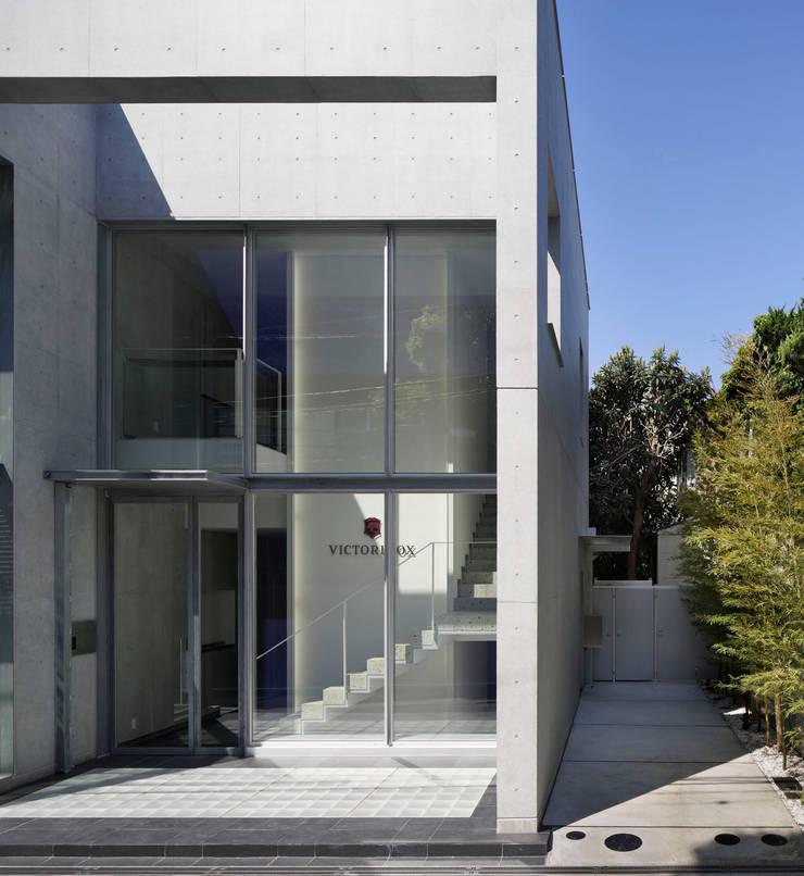 外観: 久保田章敬建築研究所が手掛けたオフィスビルです。,