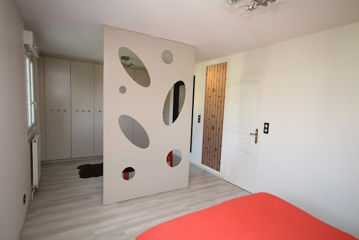 Modern dressing room by Agence C+design - Claire Bausmayer Modern