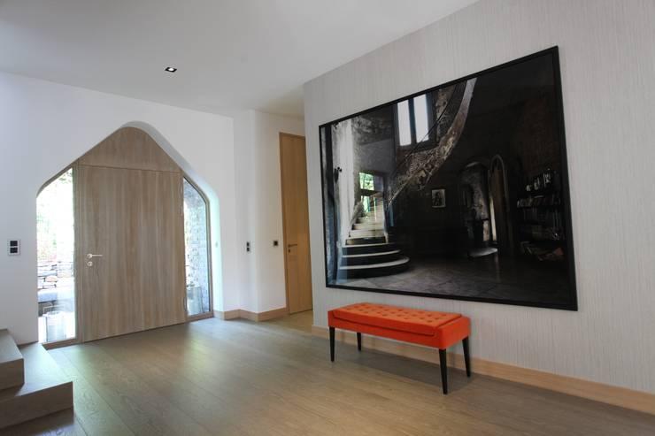 Projekty,  Korytarz, przedpokój zaprojektowane przez Neugebauer Architekten BDA