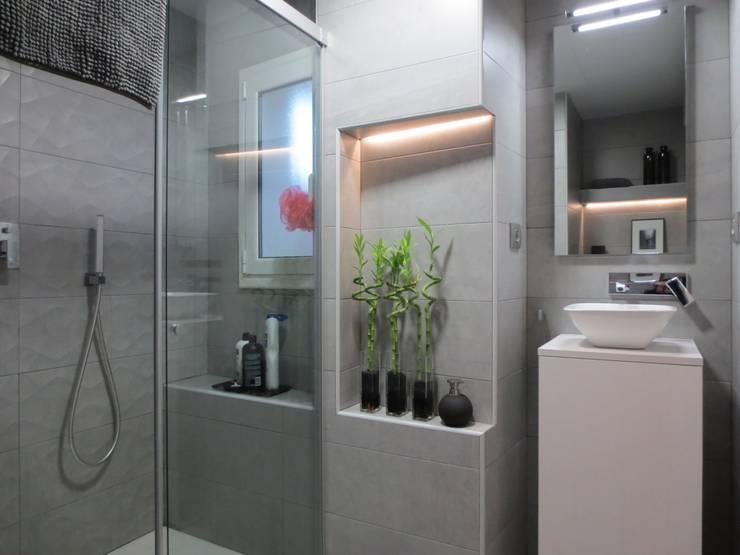 Bathroom by ROIMO INTEGRAL GRUP
