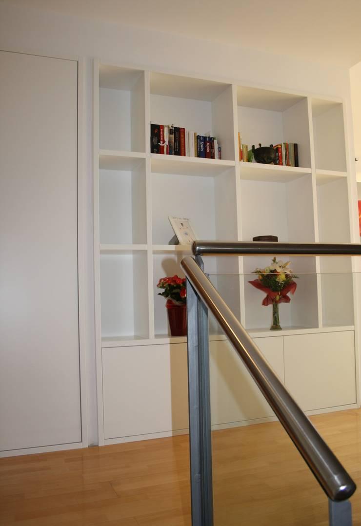 Modern walls & floors by ROIMO INTEGRAL GRUP Modern